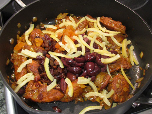 moroccan chicken cooking