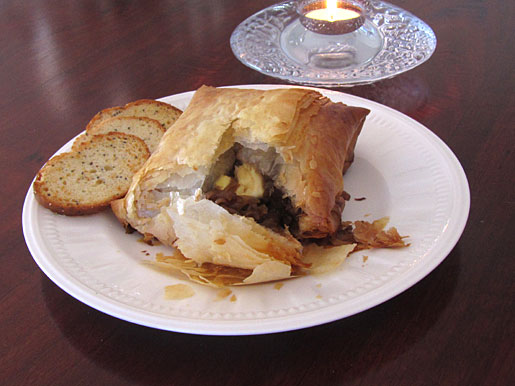 baked brie with caramelized onions and cashews