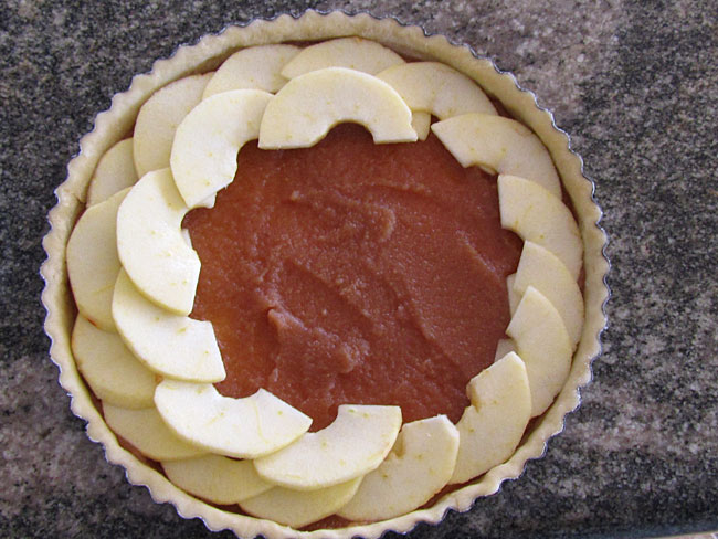 Making an Aussie Apple Tart