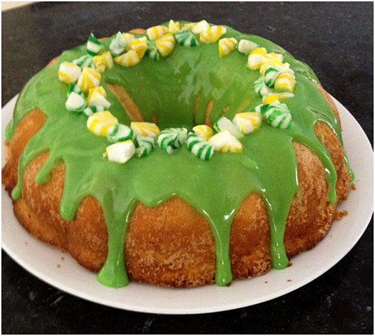 Green and Gold Cake by Choc Chip Uru at Go Bake Yourself