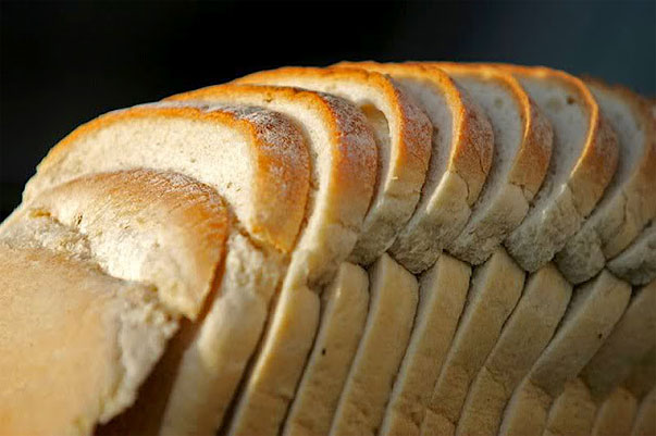 Homemade Sandwich Bread by thecomfortofcooking.com