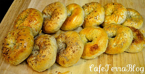 New York Style Bagels by cafeterrablog.com