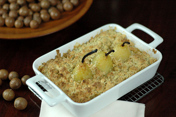 Vanilla Poached Pear and Apple Crumble