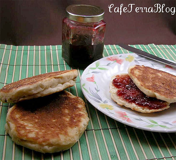 English Muffins from Cafe Terra Blog