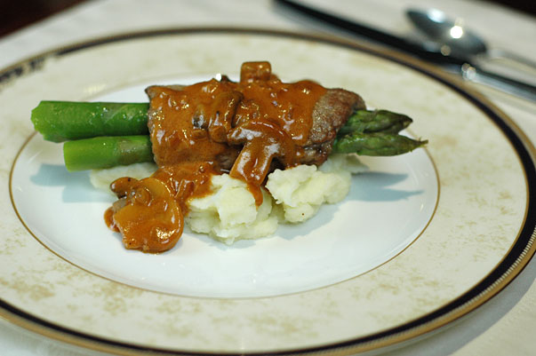 veal scallopini with asparagus