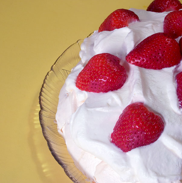 pavlova with strawberries
