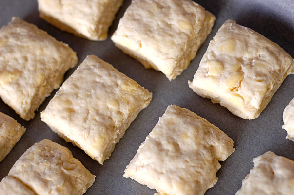 how to make flakey biscuits