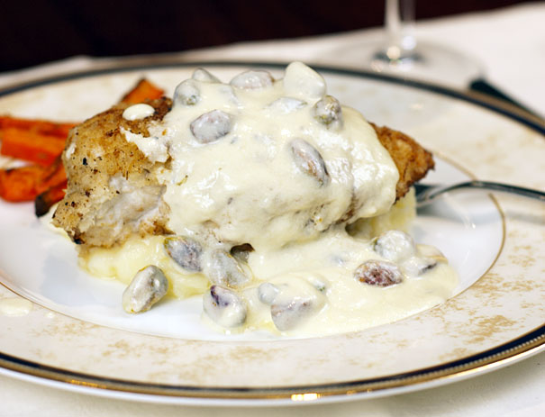 Chicken with a Pistachio Gorgonzola Sauce