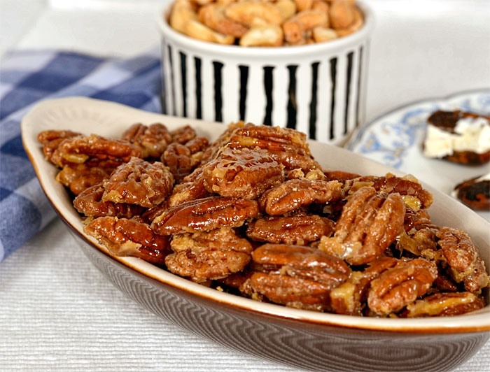 Candied Pecans with brown sugar and maple syrup